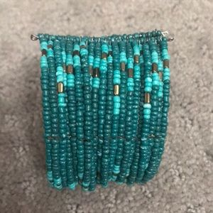 Jewelry - Teal bead bracelet
